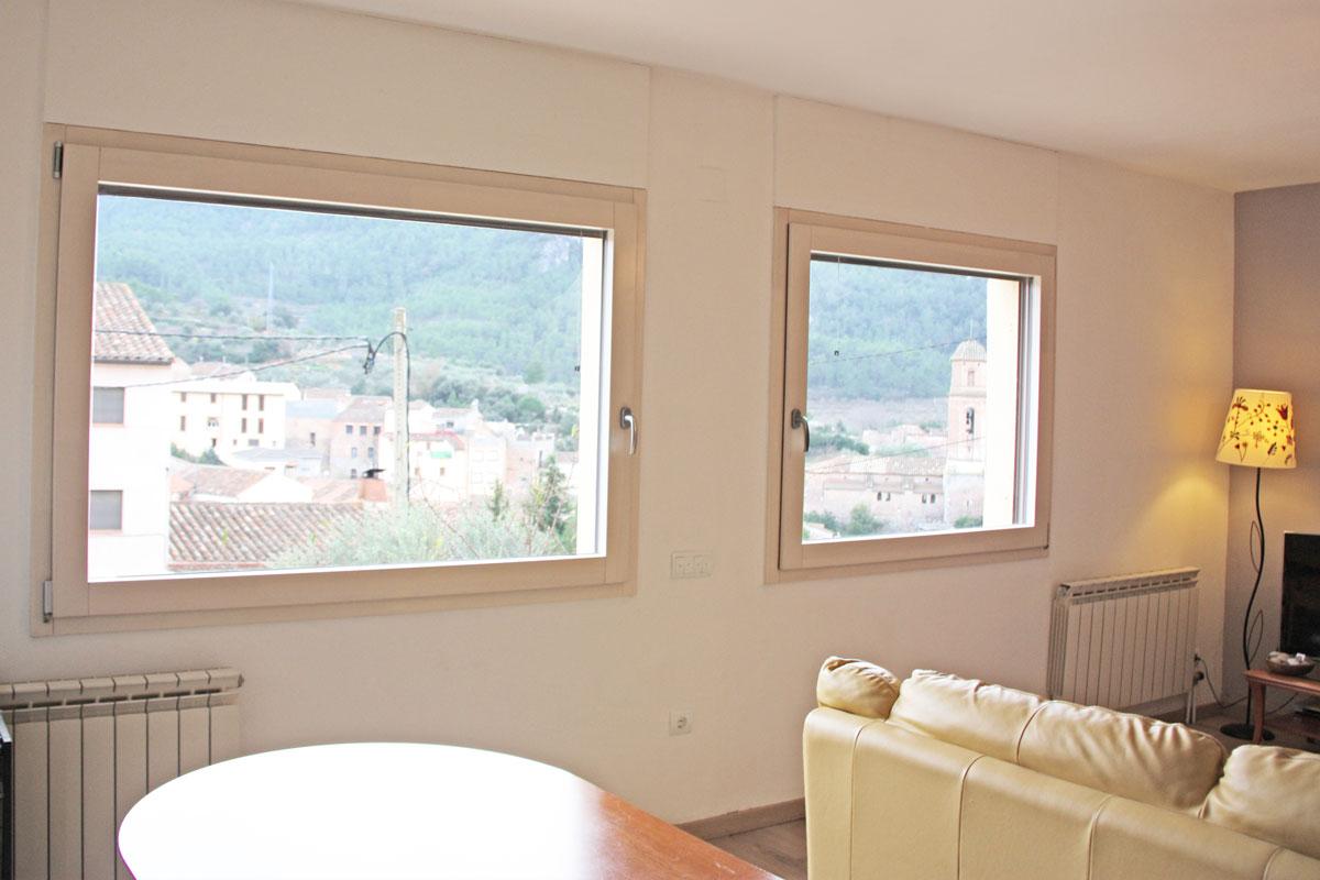 ventanas mixtas de aluminio y madera en Priorat ventanas de madera orgánica fabricas para la fábrica de ventanas y cerramientos Carreté Finestres