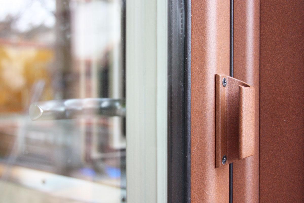 reforma ventanas mixtas de aluminio y madera en Priorat Carreté Finestres- cierres perfil europeo