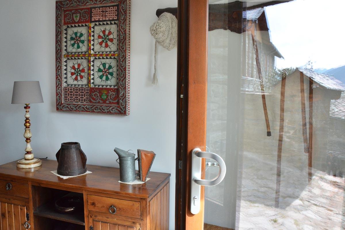 ventanas mixtas de madera y aluminio aislamiento térmico fabricadas por Carreté Finestres en Queralbs Cataluña- Ripollès casa rural