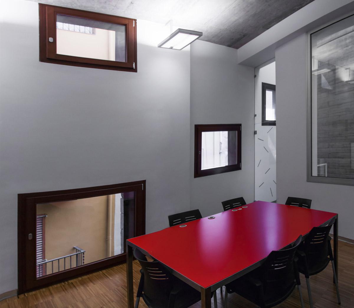 ventanas de madera en Balaguer Lleida fabricadas a medida para Carreté Finestres fabrica de ventanas en La Selva del Camp