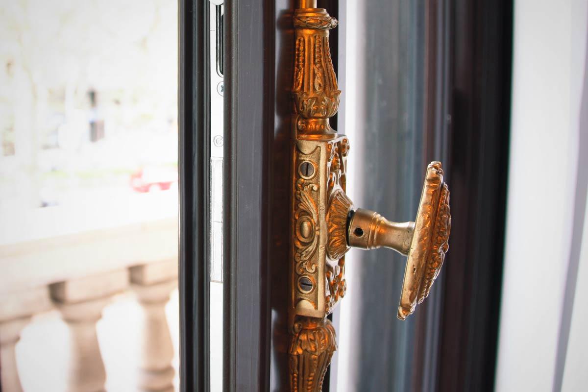ventanas de madera aislamiento térmico y acústico adaptado Hotel Cotton House Hotel Barcelona- Eficiente 78 Carreté Finestres