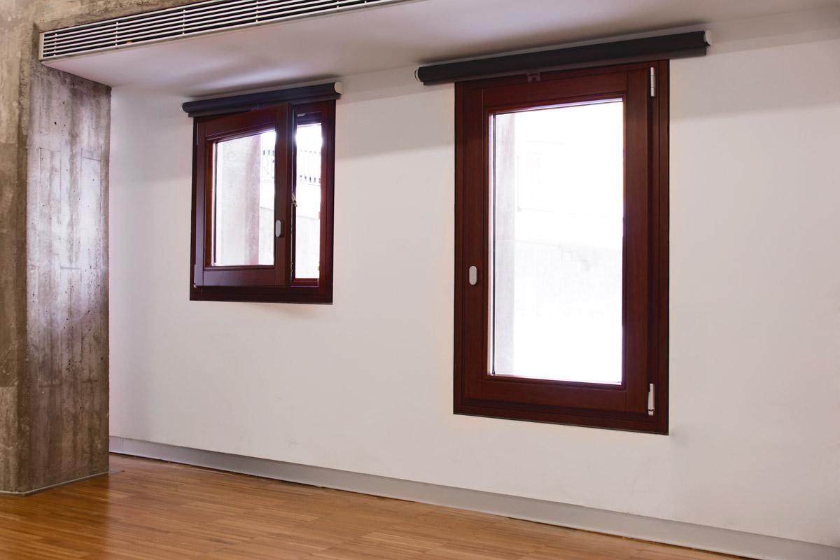 ventanas de madera en Balaguer Lleida fabricadas a medida para Carreté Finestres fabrica de ventanas en La Selva del Camp-casal Lapallavacara
