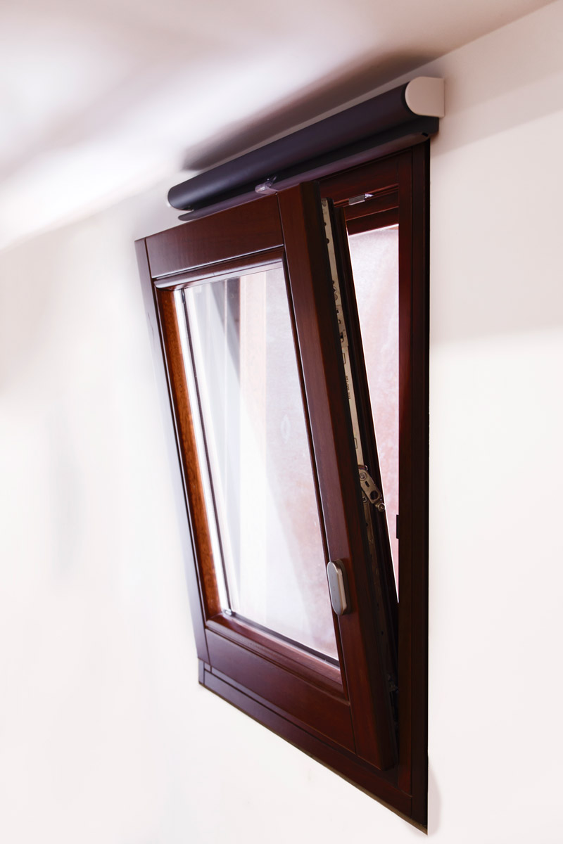 ventanas de madera en Balaguer Lleida fabricadas a medida para Carreté Finestres fabrica de ventanas en La Selva del Camp-ventana oscilobatiente