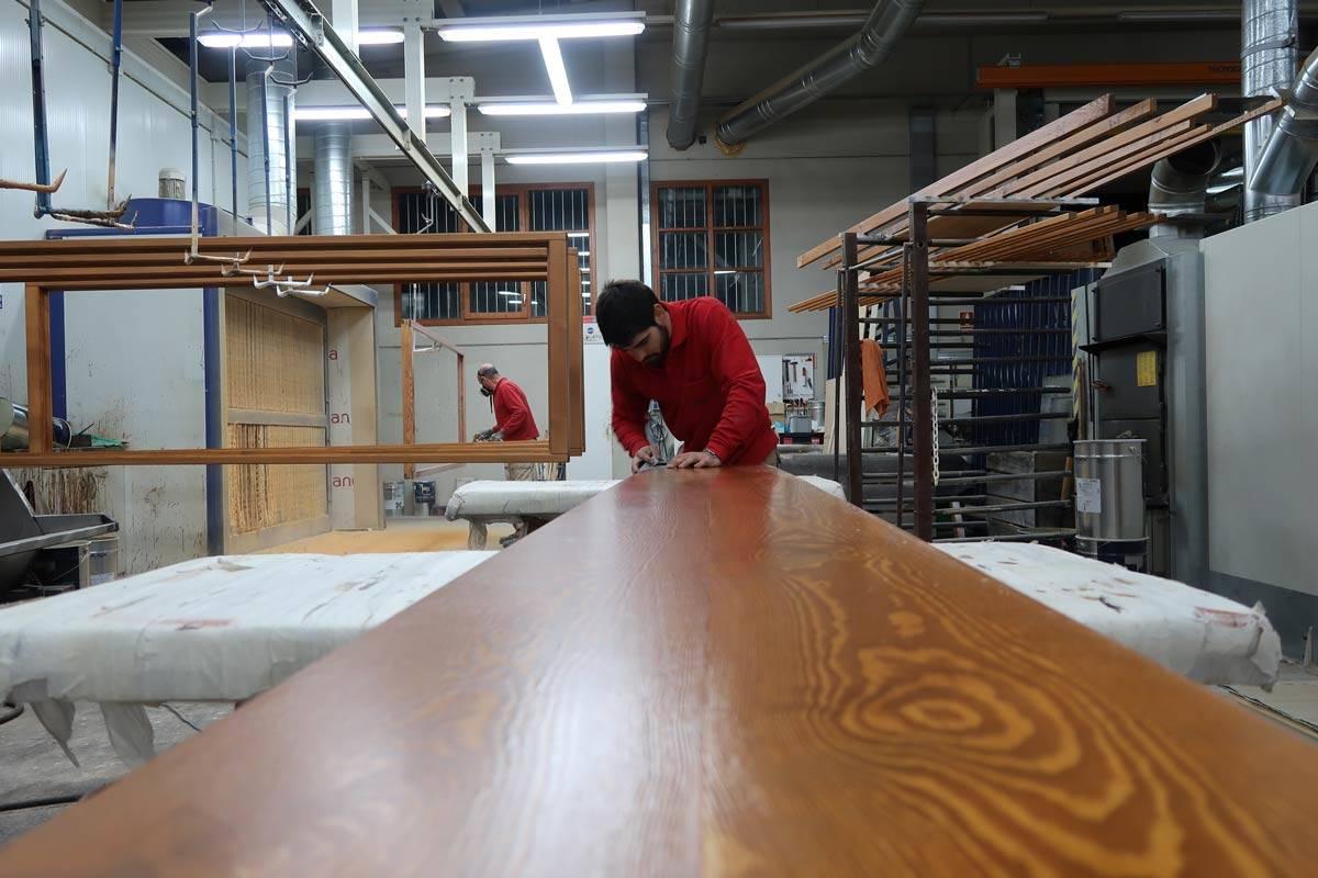 carpintero con experiencia de Carreté Finestres, la Selva del Campo- barniz ventanas madera