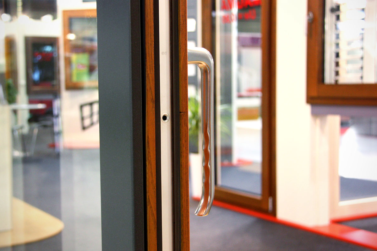 exposició finestres mixtes de fusta i alumini catàleg fabrica de finestres i tancaments Carreté Finestres a ExproReus-qualitat aïllament