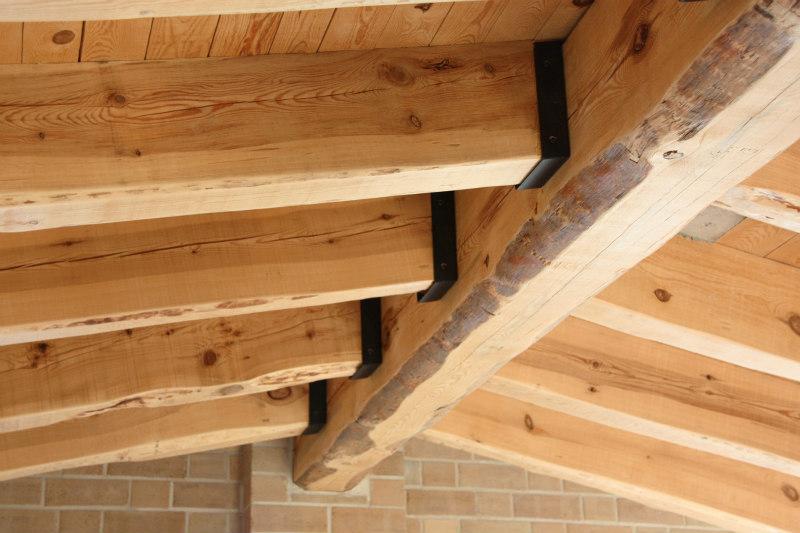tancaments de fusta fabricades per casa sostenible i ecològica a Montmell per Carreté Finestres fabrica de finestres-arquitectura sostenible