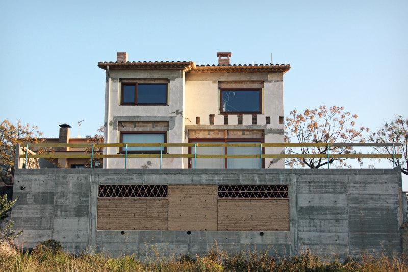 Rodet-Finestres-Finestres-de-fusta-Juncosa-del-Montmell-Baix Penedes-Catalunya-casa-ecològica