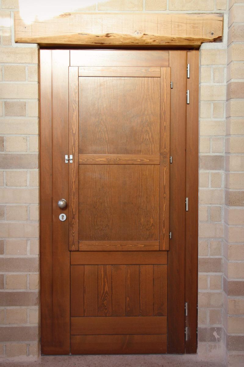 tancaments de fusta fabricades per casa sostenible i ecològica a Montmell per Carreté Finestres fabrica de finestres-porta seguretat
