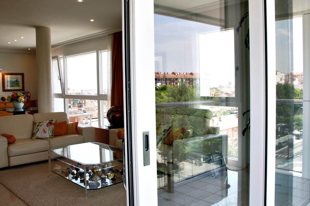 ventanas de madera y aluminio corredera y elevable exterior en Reus