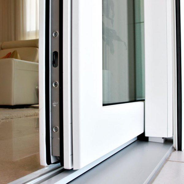 Ventana corredera elevable carret finestres for Ventanales elevables