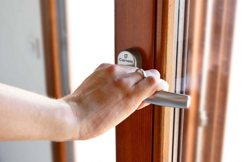 En Carreté Finestres hemos fabricado nuevas ventanas de madera de las series Silva 68 y Eficient 78 para una casa urbana de la Conca de Barberà.