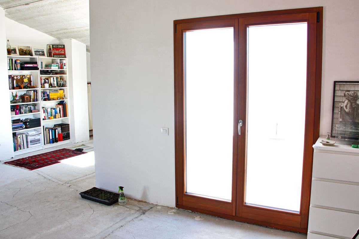 ventanales de madera ecológica de alta transmitancia térmica y cierre hermètic- Santa Coloma de Queralt