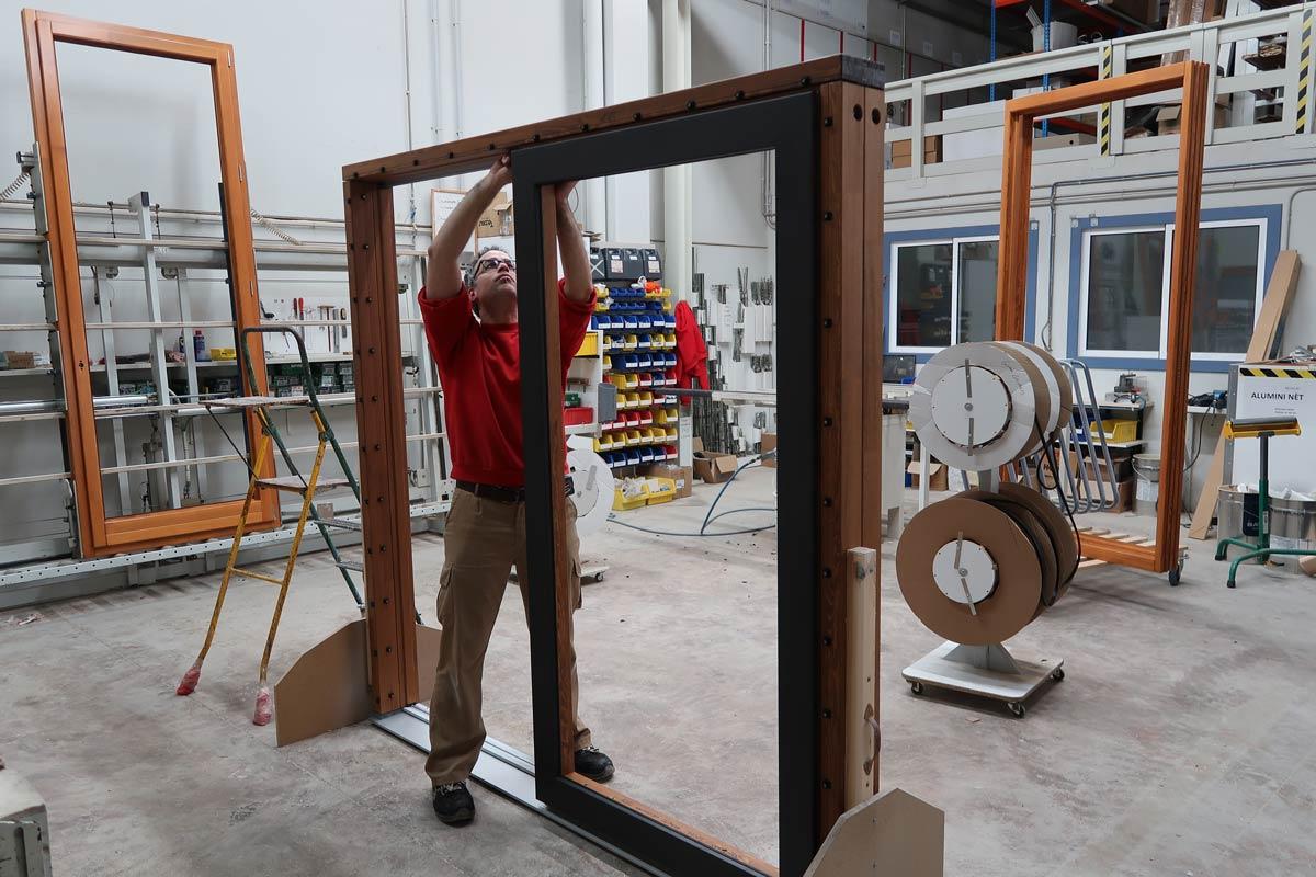 proceso fabricación ventanas madera ahorro energético y económico-Carreté Finestres , La Selva del Camp