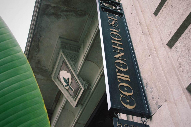 ventana de madera aislamiento térmico y acústico Hotel Cotton House Hotel Barcelona- Eficiente 78 Carreté Finestres perfil europeo