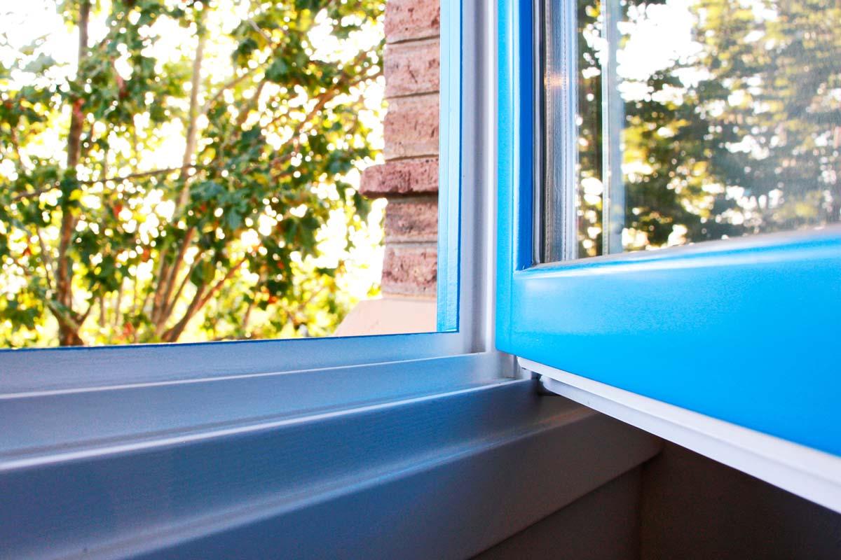 reforma Hotel Mas Passamaner ventanas de madera fabricadas por Carreté Finestres en La Selva del Camp-perfil europeo alta transmitancia