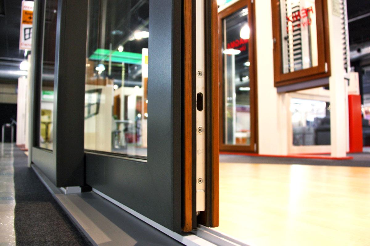 exposició finestres mixtes de fusta i alumini catàleg fabrica de finestres i tancaments Carreté Finestres a ExproReus-elevable corredissa