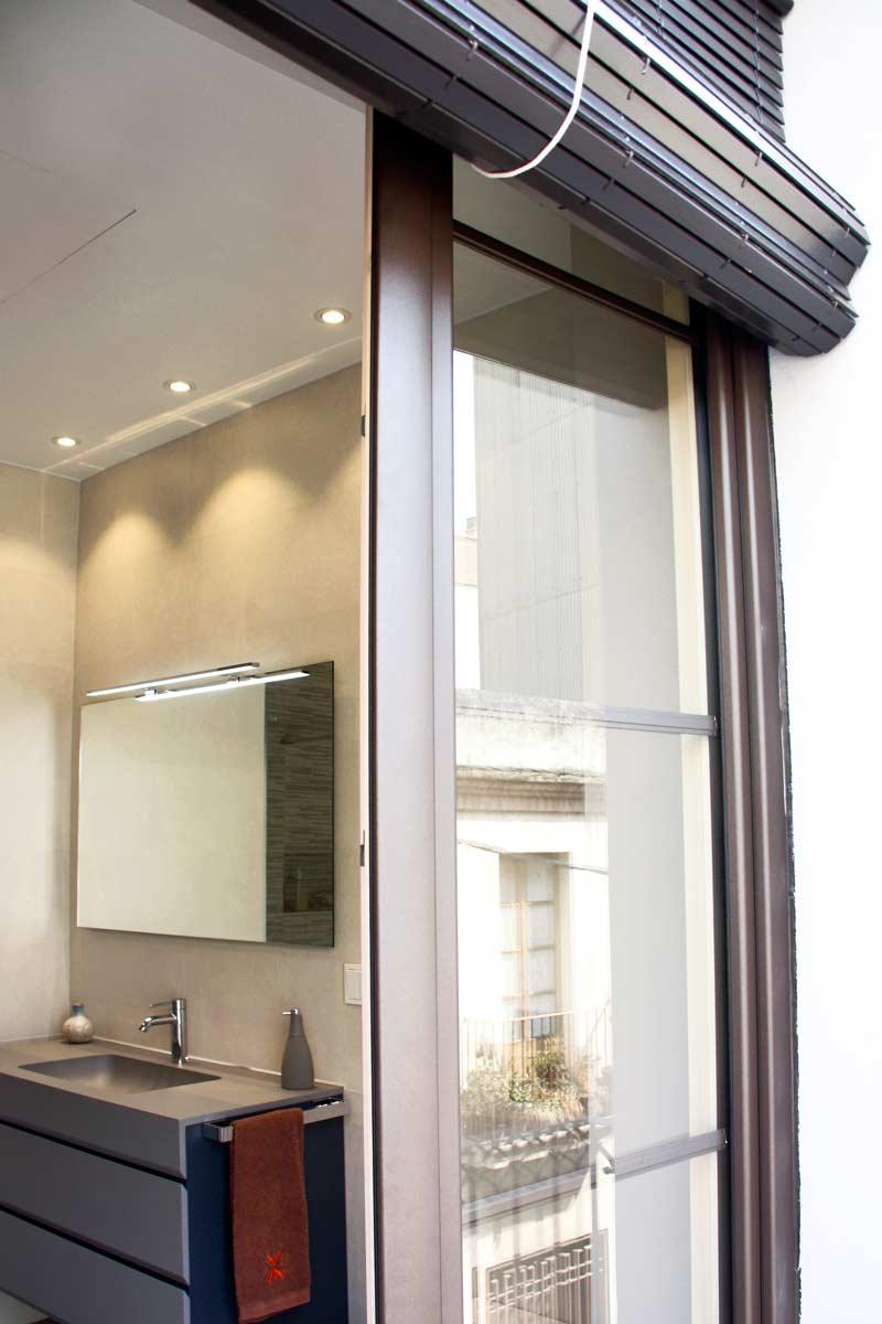 ventanas de madera aluminio y mixtas en Vilanova i la Geltru(Garraf) por Carreté Finestres-madera ecologica baño