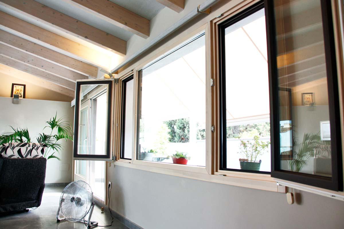 Reforma ventanas de madera aluminio y mixtas en Vilanova i la Geltru por Carreté Finestres-ventanales a medida