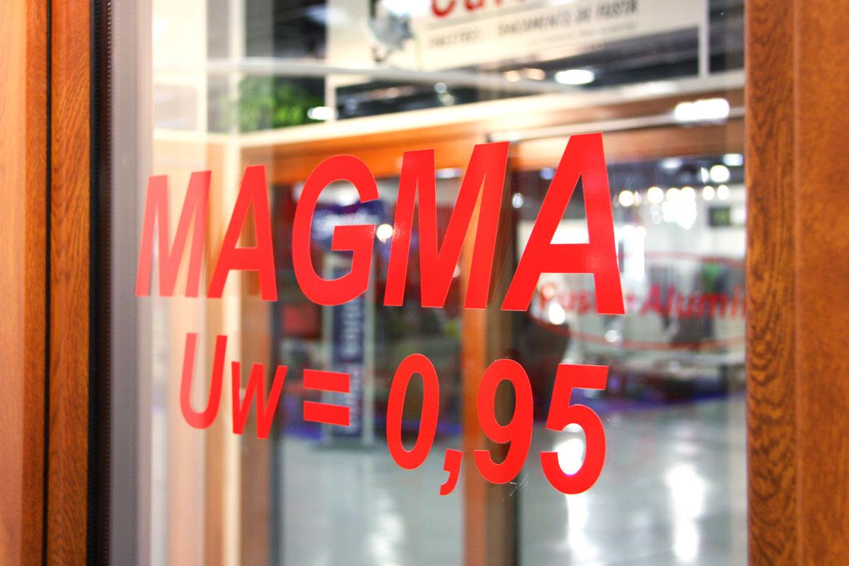 exposición ventanas mixtas de madera y aluminio catálogo fabrica de ventanas y cerramientos Carreté Finestres en ExproReus-MAGMA UW = 0,95