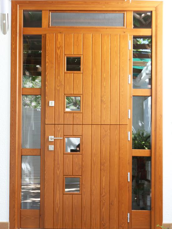 Carreté Finestres - porta d'entrada a casa de fusta a Tarragona