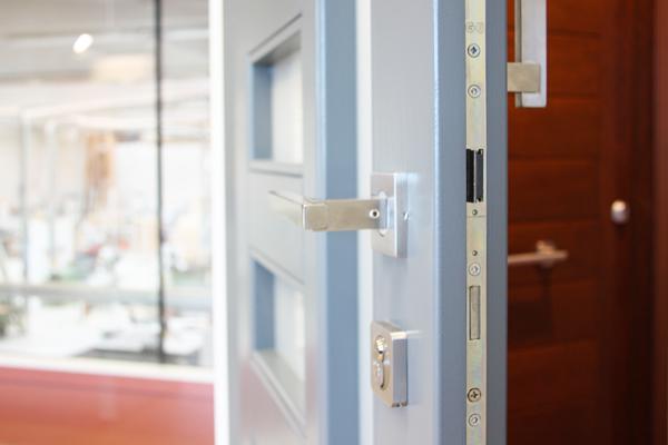 Carreté Finestres es fabricante de puertas de entrada cerca de Reus