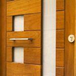 Carreté Finestres - puerta de entrada con cerramiento de seguridad