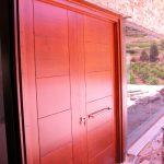Carreté Finestres- puerta de entrada de madera