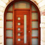 Carreté Finestres - puerta de entrada redondeada