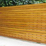 Carreté Finestres - puerta exterior de acceso a jardín