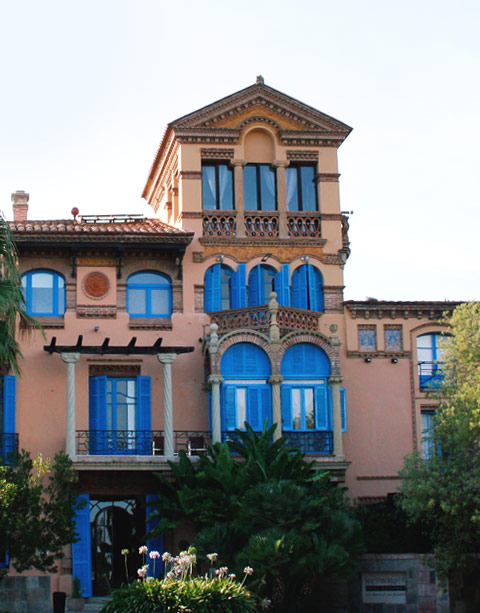Carreté Finestres realiza grandes proyectos de arquitectura y de fabricación de ventanas de madera para hotel en la Selva del Camp