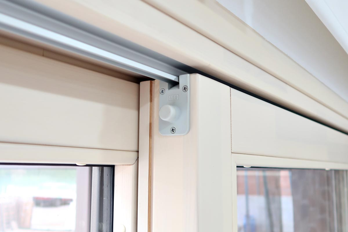 ventana de madera aluminio corredera elevable con herrajes AGB - Carreté Finestres