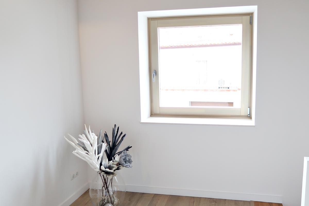 ventana de madera y aluminio a medida y de calidad - Carreté Finestres