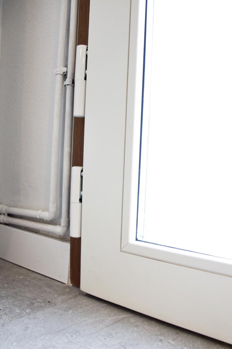 puerta de entrada en casa en Reus - detall de cristal translúcido - Carreté Finestres