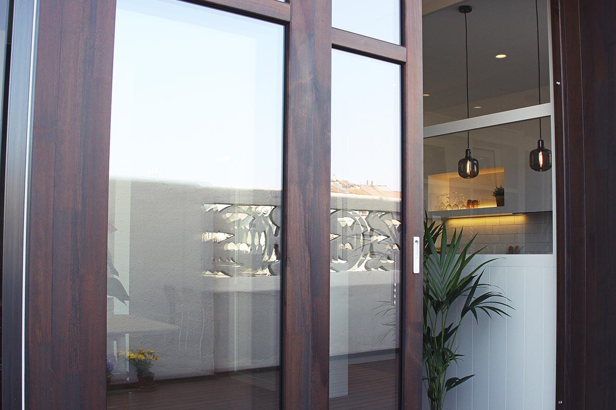 finestra de fusta corredissa amb control tèrmic a Barcelona - Carreté Finestres