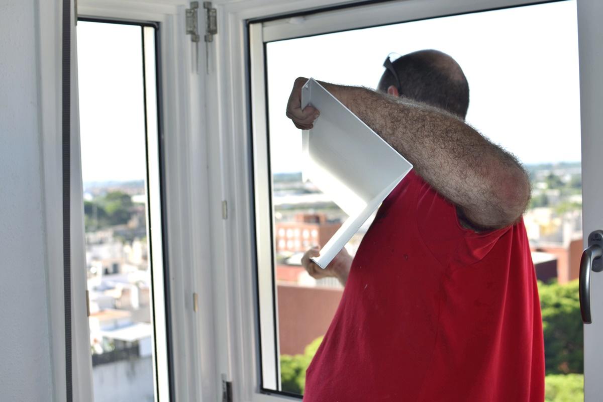 finestres de fusta pi lacat blanc alumini a Reus - Carreté Finestres