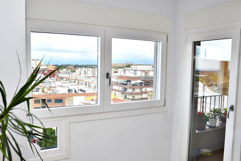 carrete finestres ventana de pino blanco mixta reus baix camp