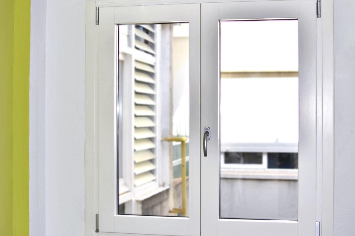 finestra de pi blanc mixta a Reus al Baix Camp - Carreté Finestres