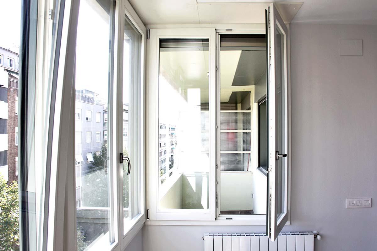 ventanas de madera en Barcelona con aislamiento acústico anti ruido en Sant Gervasi - Carreté Finestres