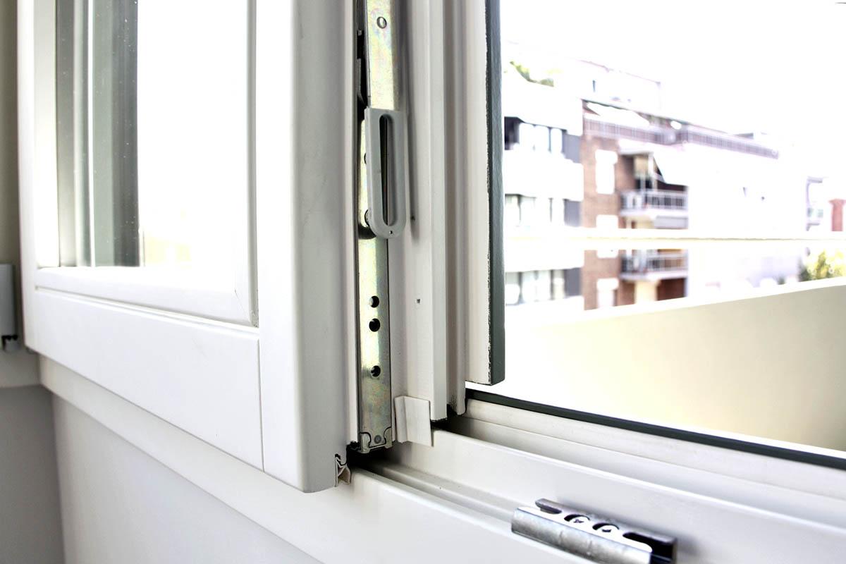 ventanas de madera de seguridad y calidad en piso de Sant Gervasi en Barcelona - Carreté Finestres