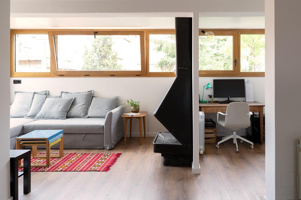 renovación de ventanas mixtas de madera y aluminio de madera de castaño para piso en Barcelona por Carreté Finestres