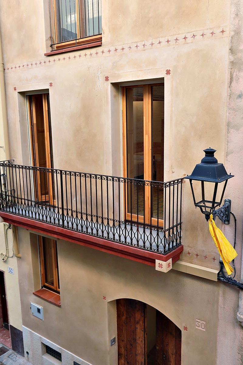 ventanas de madera con eficiencia energética en casa rural en Vilaplana - Carreté Finestres