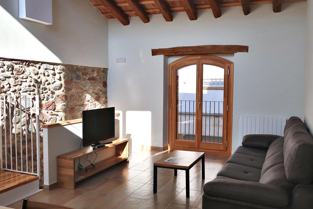 ventana de madera con volta catalana y aislamiento térmico, aislamiento acústico en casa rural en Vilaplana - Carreté Finestres