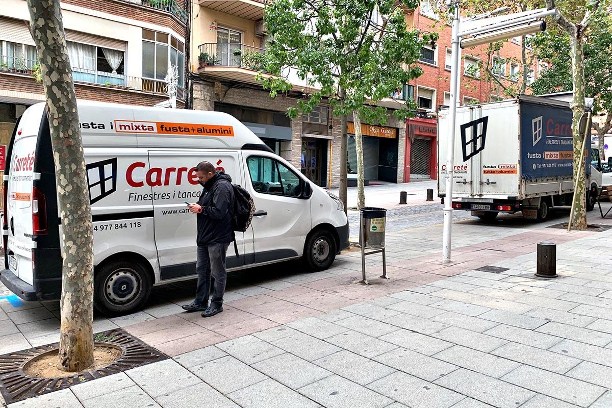 transporte de ventanas de madera y aluminio en Cornellà de Llobregat - Carreté Finestres