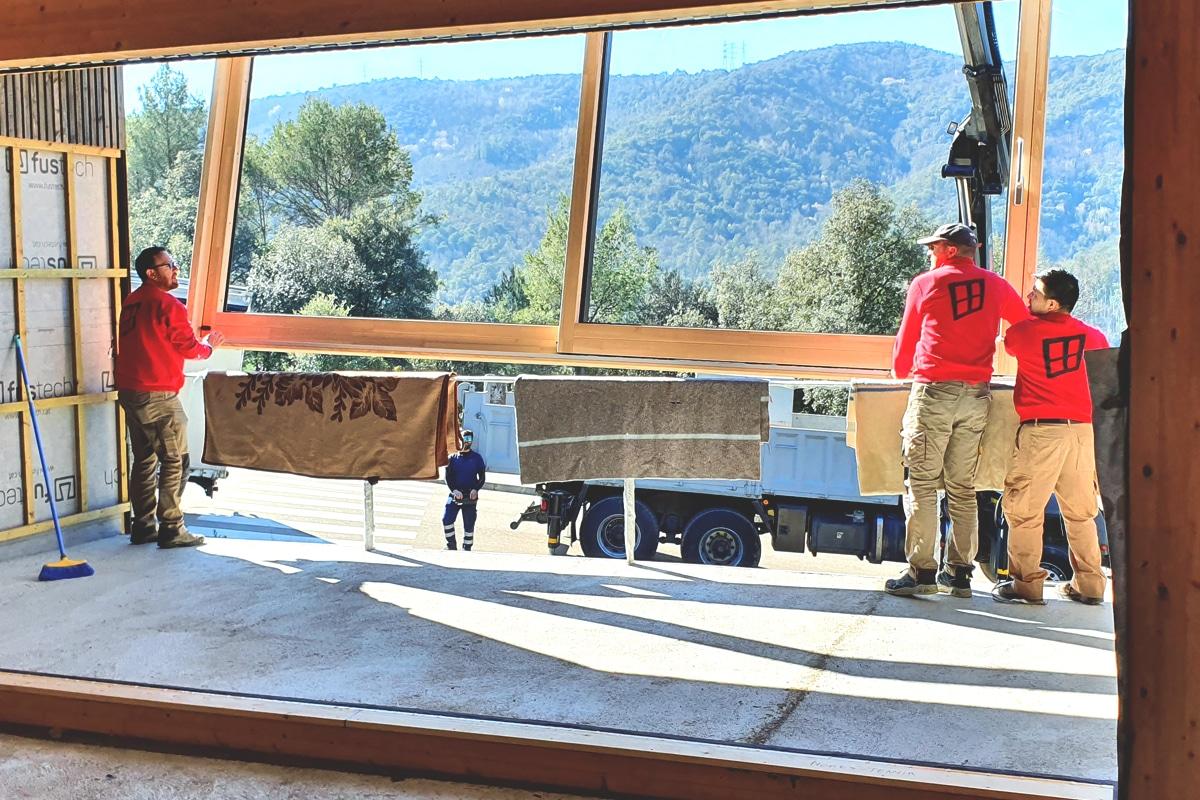 Carreté Finestres fabrica ventanas mixtas de madera y aluminio para casa pasiva en Girona